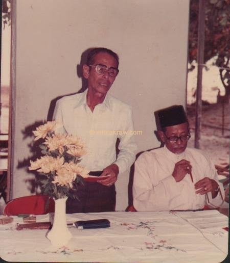 Hamid Mydin with fellow DJ Sheikh Ahmad Baladram located in Tanjung Bungah, Penang, on February 27, 1983