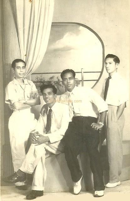 Hamid Mydin with friends Ahmad Abu Bakar, Halim Abu Bakar and Hassan Said