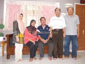 Gambar Kenangan Pn Faridah Hamzah, Pn Asiah Mohd Noor, Lagenda EMas Mohd Sahar Omar, Mohd Zahari Hamid dan Rozian Abd Latiff
